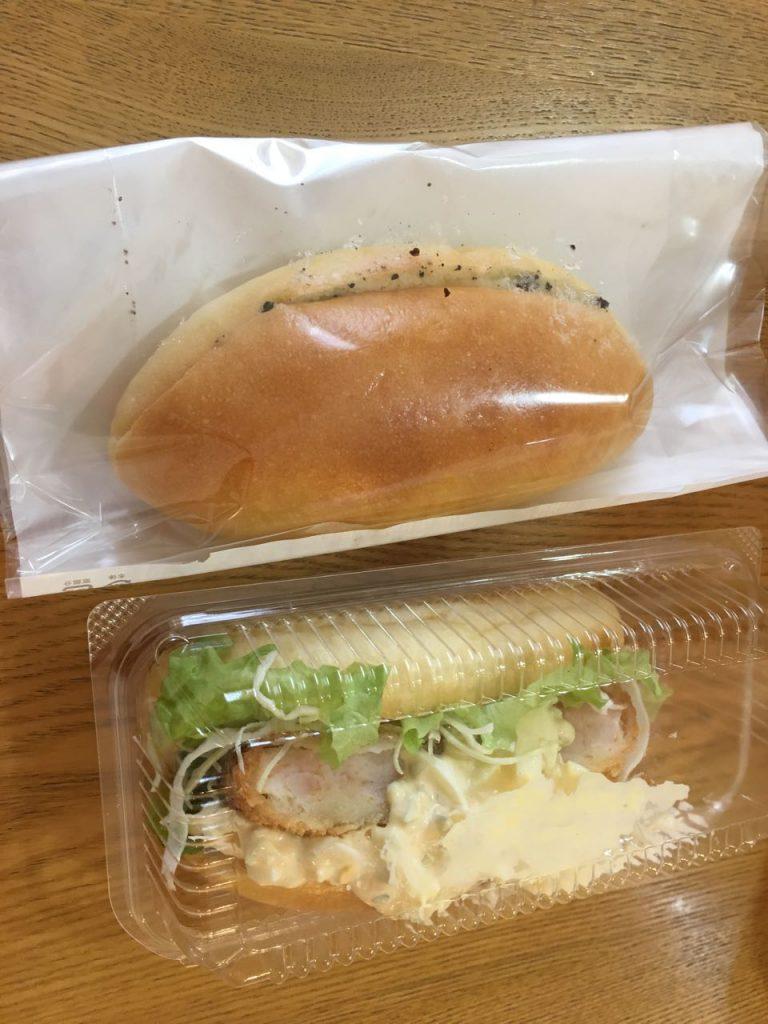 △エビカツとクッキーアンドクリーム(多分)