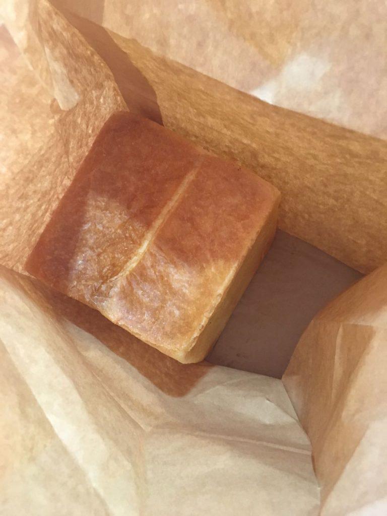 △焼きたて食パン