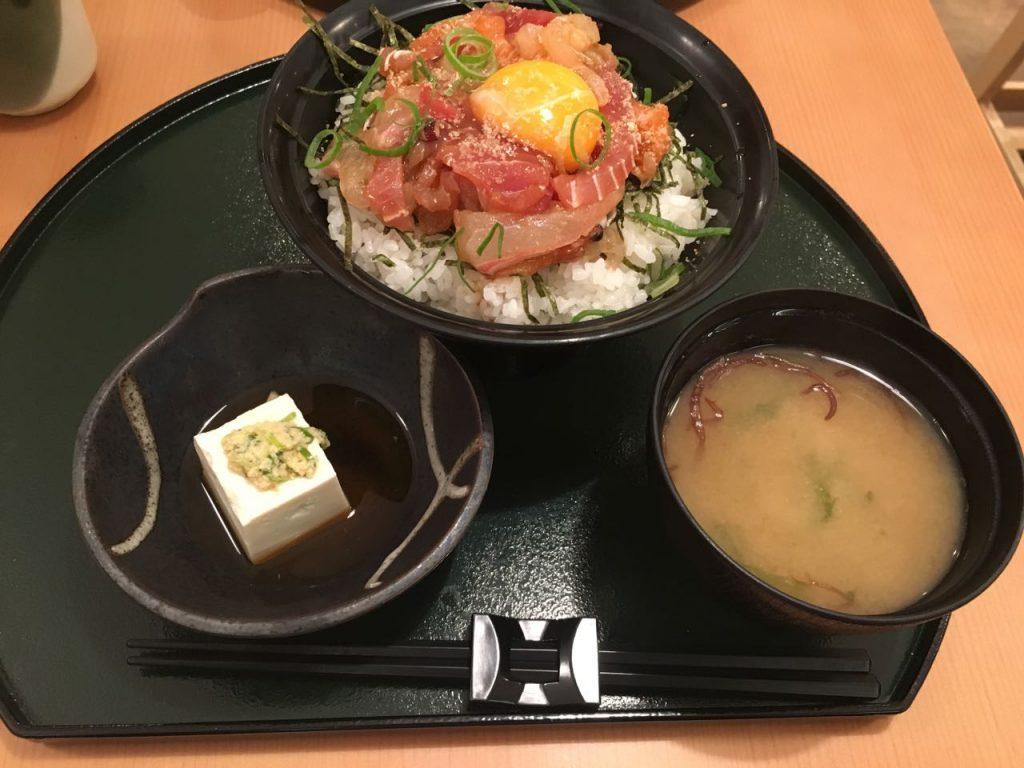 △海鮮ユッケ丼 1,280円